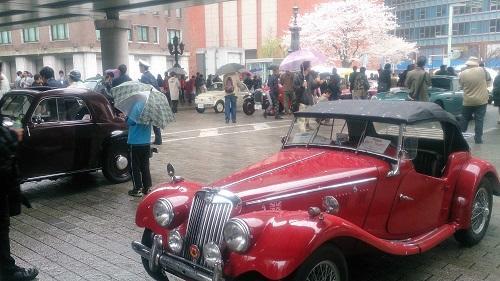 桜を纏う名車.jpg