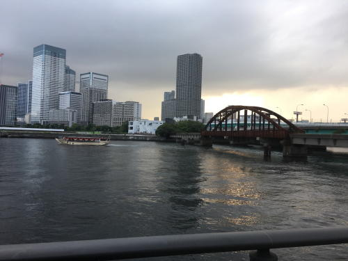 晴海橋と屋形船−1.JPG
