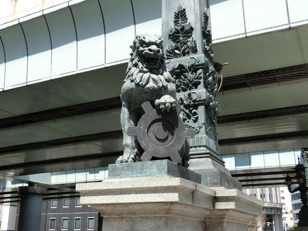 獅子の彫像.jpg