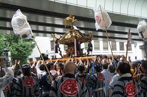 神輿日本橋300.jpg