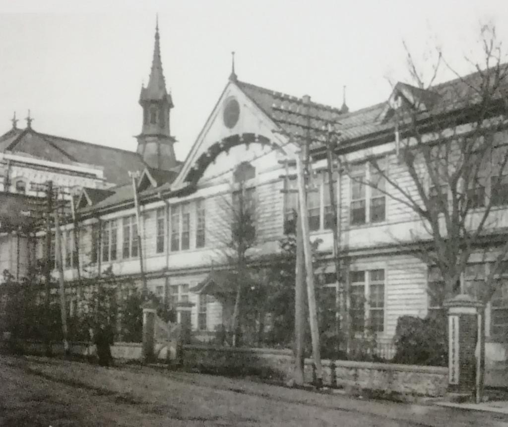 Ayumi of Kyobashi simple library opening Kyobashi library Tokyo City in 1911 (Meiji 44) and local reference library  ... center Ward Kyobashi library ...