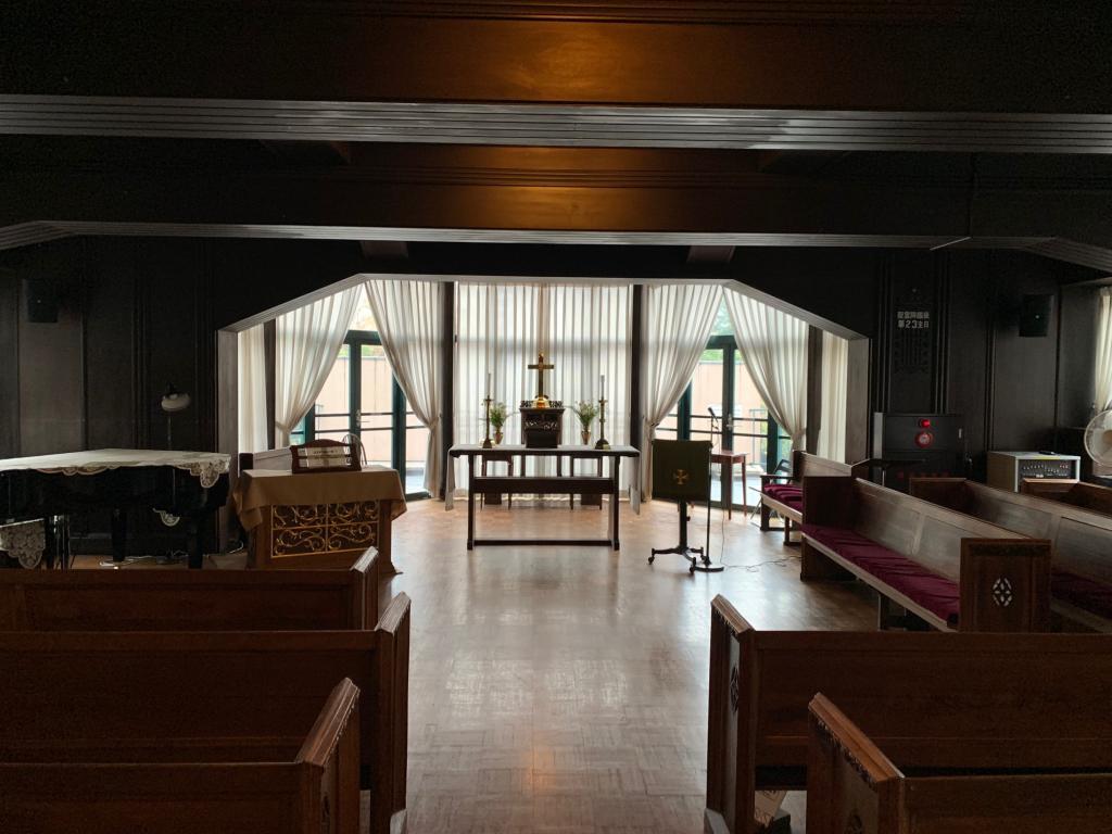 地方:在临时礼拜堂礼拜堂风琴演奏的暂时