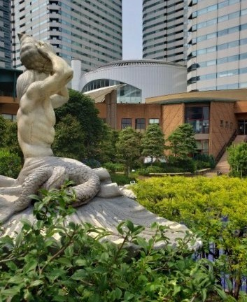 Garden of Harumi triton square is wonderful on rainy day.