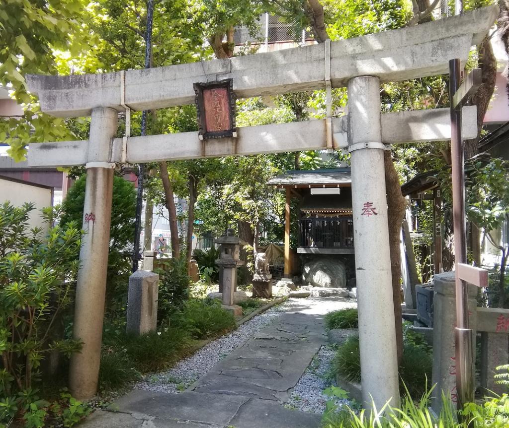 Shinto shrine NO.21 of quiet appearance to be able to go from Kotohira-gu Shrine (Nihonbashinakasu) Ningyocho Station  ... Kotohira-gu Shrine (Nihonbashinakasu) ...