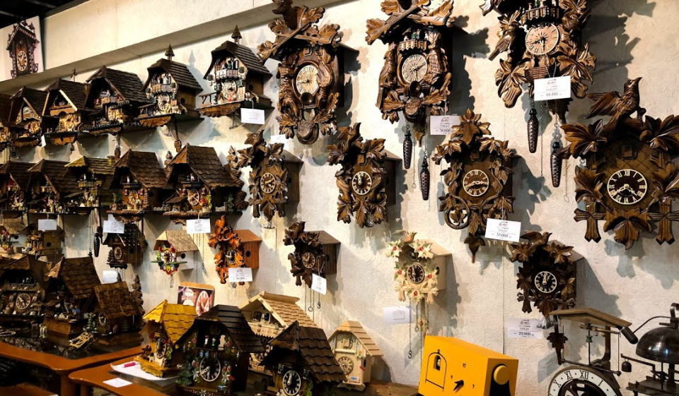 Beautiful cuckoo clock @ Nihonbahyokoyamacho of forest where forest of cuckoo clock is black in the shop